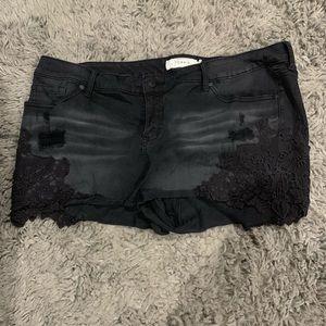 Torrid black distressed lace shorts sz 22